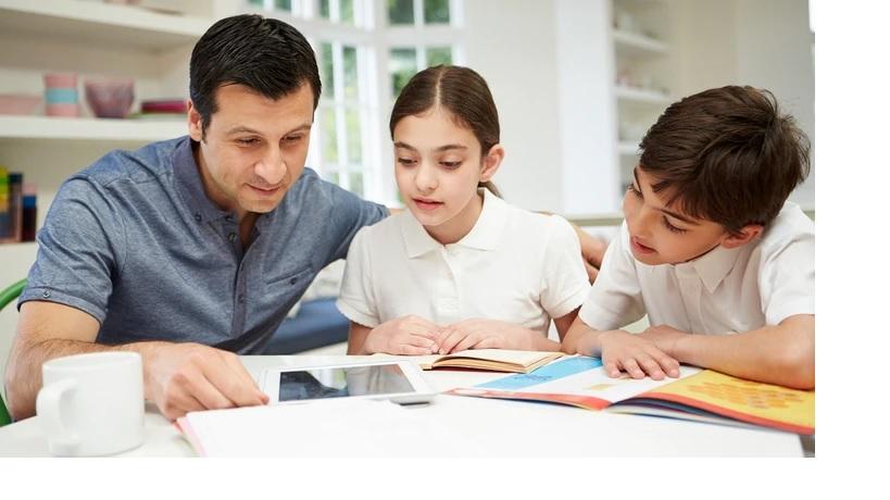 PAdres con hijos tareas